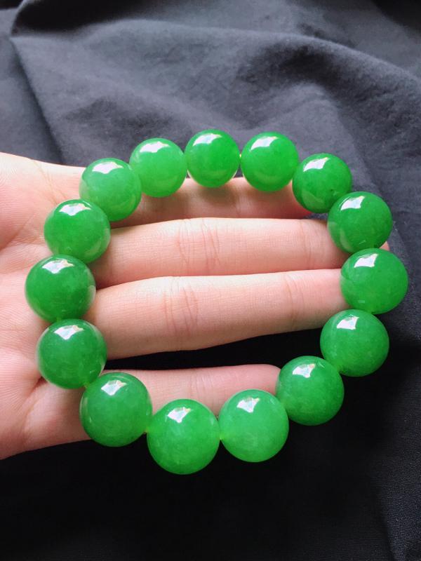 收藏级缅甸翡翠满绿圆珠手串,自然光实拍,玉质莹润,佩戴佳品,单颗尺寸:13.7mm,重74.57克