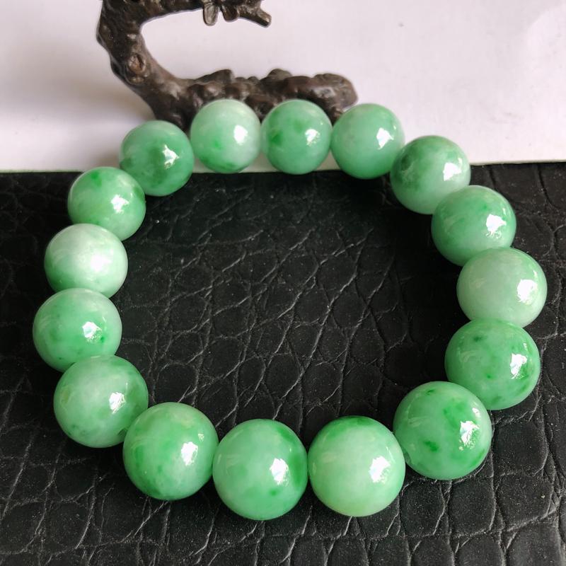 天然a货翡翠满绿手链,玉质细腻,水润,16个裸石,裸石尺寸:14.1mm