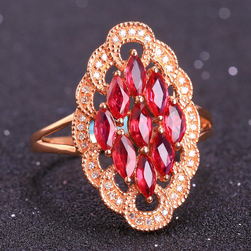 18k金镶红宝石戒指