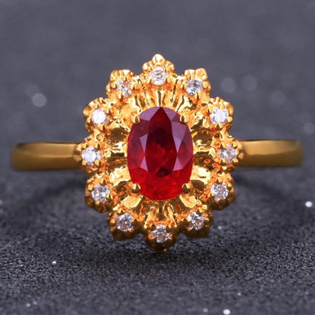 18k金镶鸽血红红宝石戒指