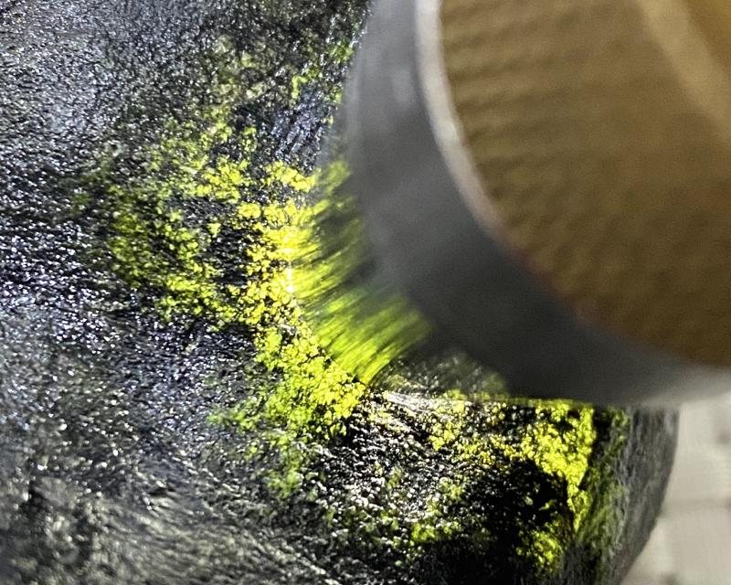 🤝#矿区新货来袭# 莫湾基全赌飘花料,打灯多处有绿色表现,他处种水超赞,料子品相完整,没有刷过,可以赌飘花手镯,喜欢的老板来(原石有风险,请谨慎购买)