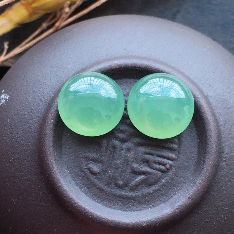 【超值推荐】晴水蛋面,自然光实拍,缅甸a货翡翠,水润玉质细腻,雕刻精细,饱满品相佳,
