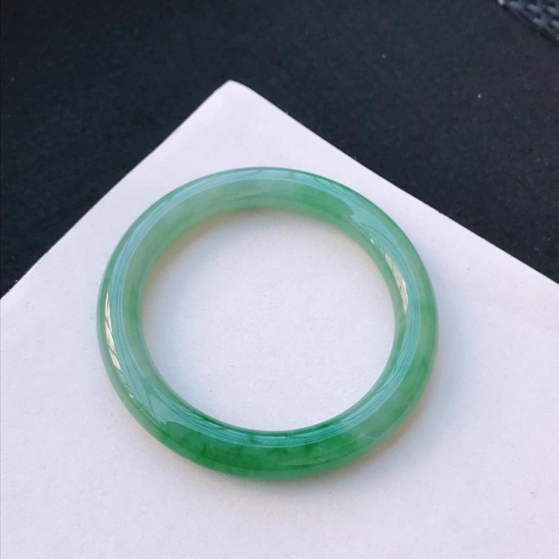 尺寸:53.2/8.7/9.2mm,天然A货翡翠带绿圆条手镯,编号11.25-xs