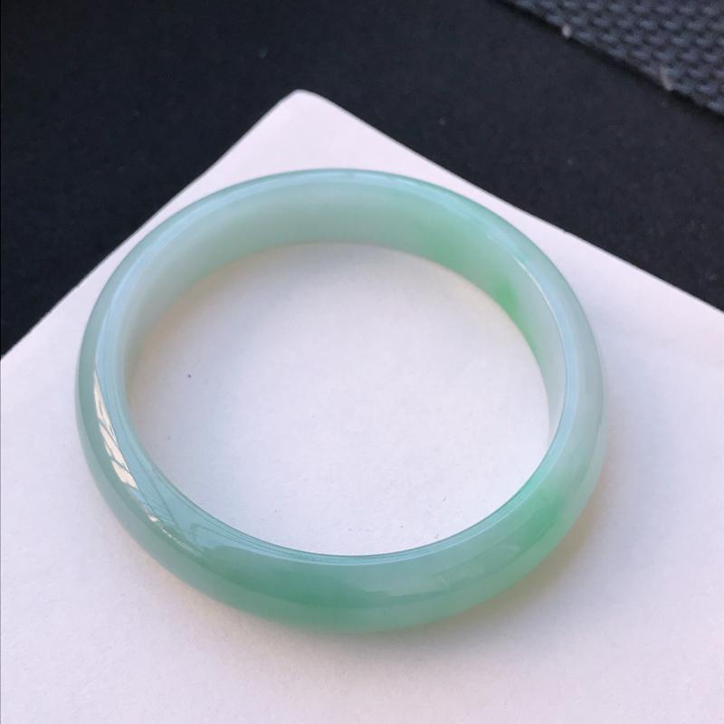 尺寸:68.7/15/8.7mm,天然A货翡翠带绿宽边手镯,编号11.25-xiang