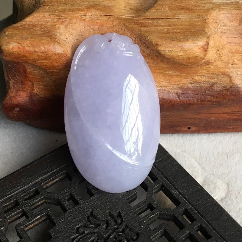 缅甸翡翠A货,自然光不失紫,上身效果非常美,福在眼前,平平安安,健健康康,下单要咨询。