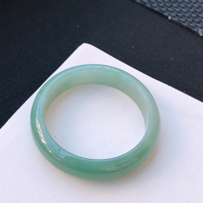尺寸:54.5/13.8/7.4mm,天然A货翡翠带绿宽边手镯,编号11.25-xiang