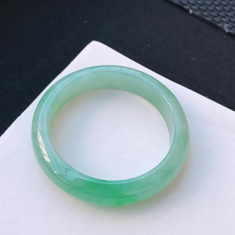 尺寸:57.9/14/8.4mm,天然A货翡翠带绿宽边手镯,编号11.25-xiang