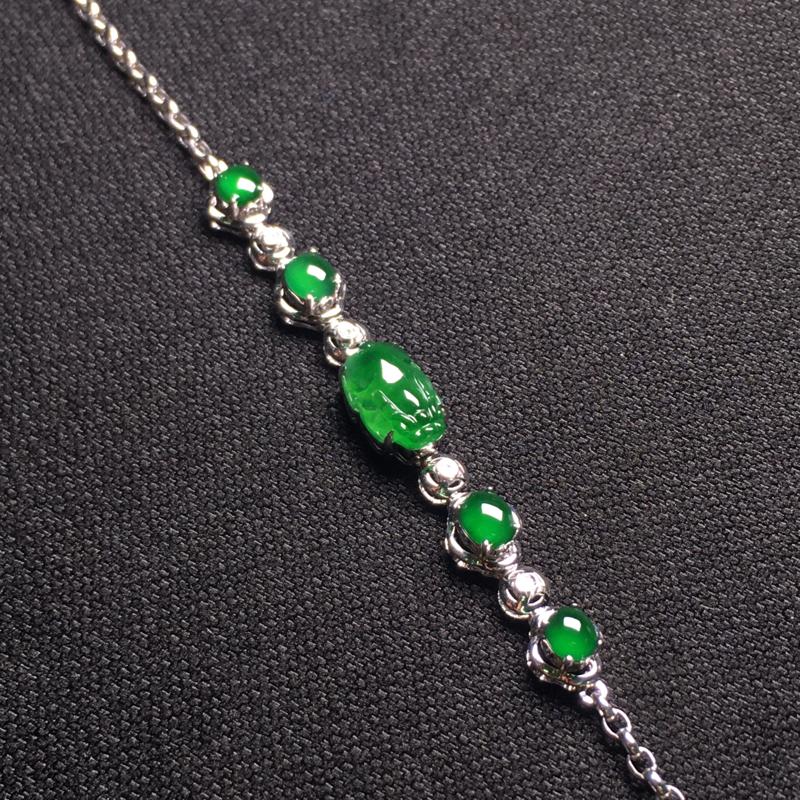 满绿貔貅手链,翠绿欲滴,种色浓郁,冰润剔透,佩戴大方,裸石:10*6*4,整体:51*6*6
