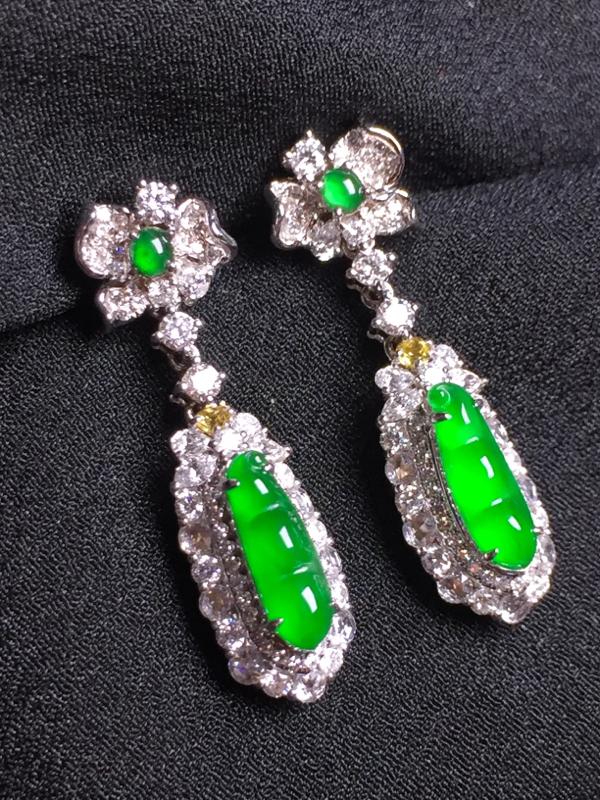 阳绿福豆耳坠,18k真金真钻镶嵌,种水超好,玉质细腻