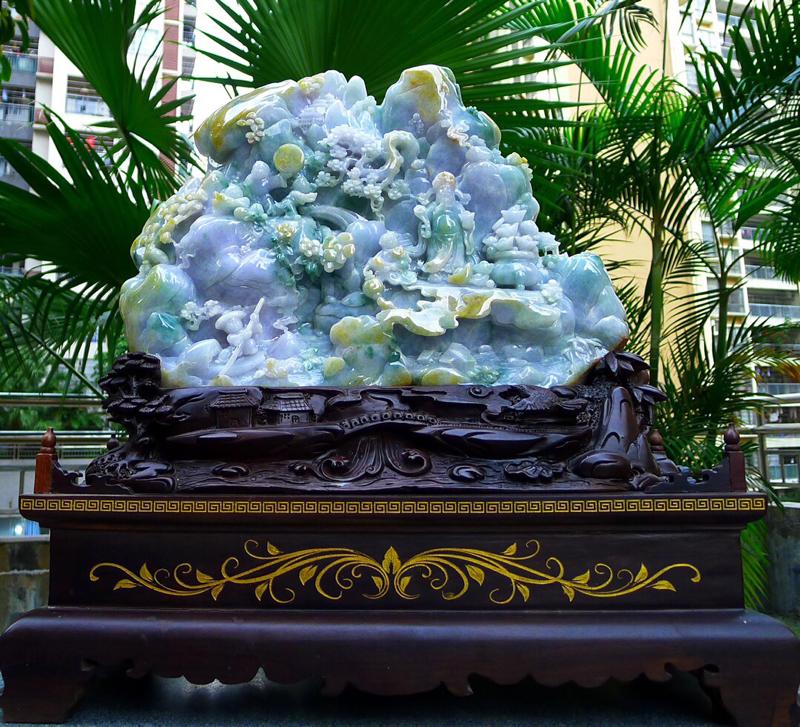 缅甸天然翡翠A货,三彩山水摆件 精美水润,三彩山水财神牌摆件 财神到你家里来,年年月月发大财。天天送