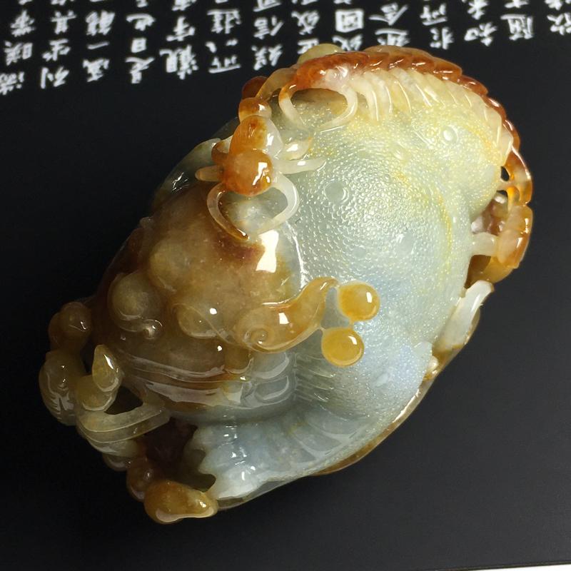 黄翡独霸天下手玩件 尺寸78-48-48毫米 水润细腻 雕工精湛