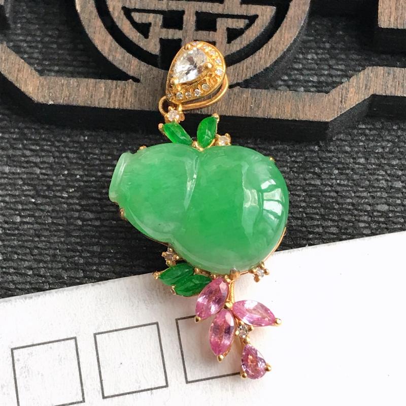 编号:f912,翡翠A货,飘绿18k金伴钻招财葫芦吊坠,裸石尺寸:15.5*11*4mm,包金尺寸: