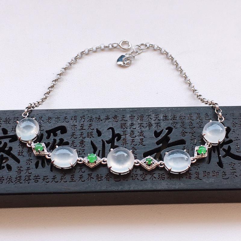 精品翡翠18k镶嵌伴钻手链,玉质莹润,佩戴效果更美,尺寸:链长:190MM,整体尺寸:8*7.3*5