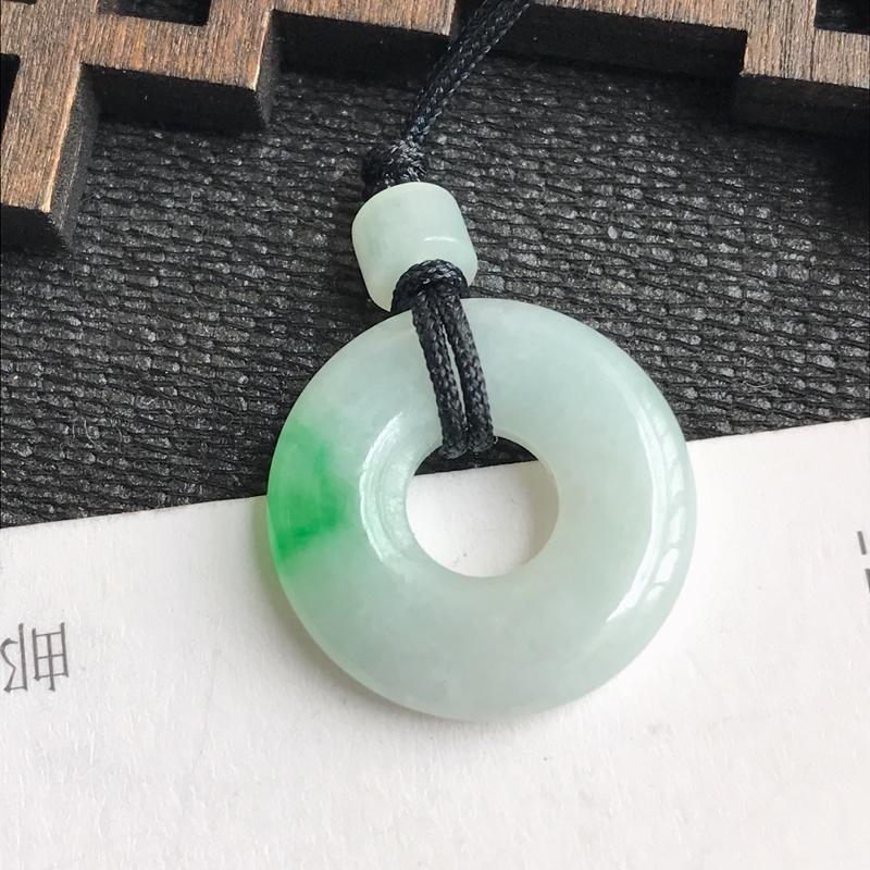 编号:605,翡翠A货,飘绿平安环吊坠,尺寸:17.4*3.5mm,