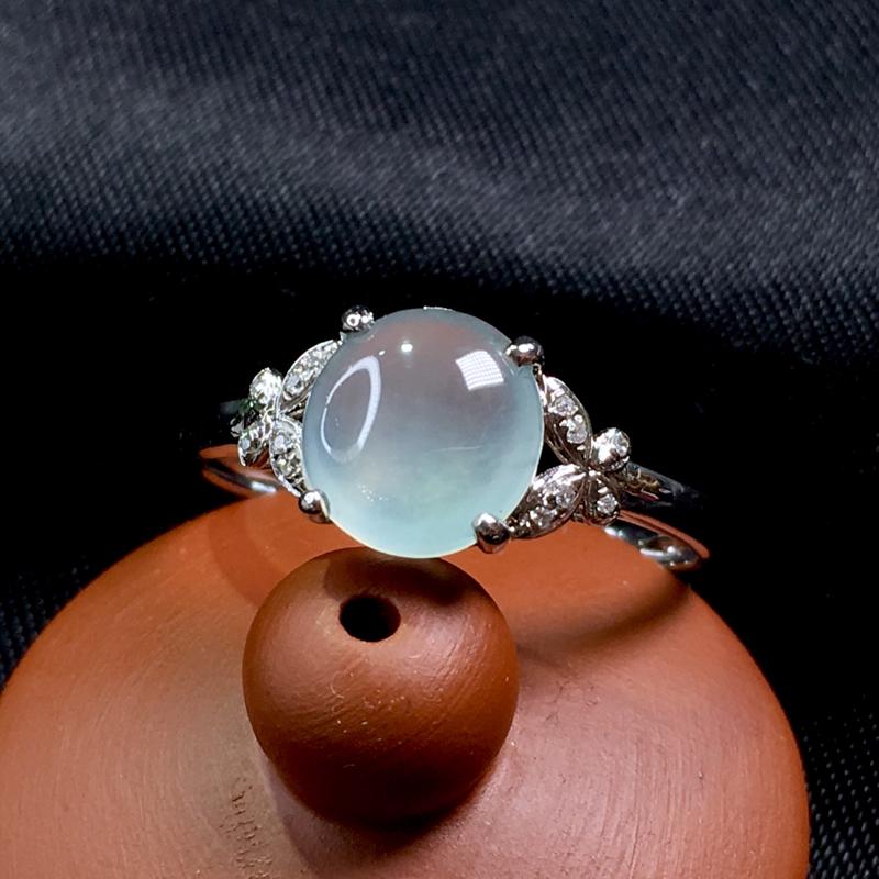 翡翠a货,白冰蛋面戒指💍,18k金伴钻,种水好,佩戴精致,裸石规格:7.5-7.2-2.5