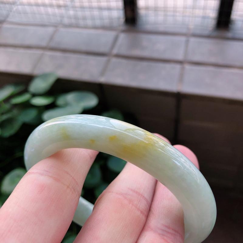 01/17黄翡翡翡翠圆条手镯 ,玉质细腻
