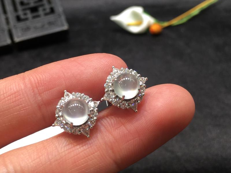 一对冰种耳钉,底庄细腻,18K金南非真钻镶嵌,无纹裂起光,性价比高,推荐,尺寸13*12.8*8.6