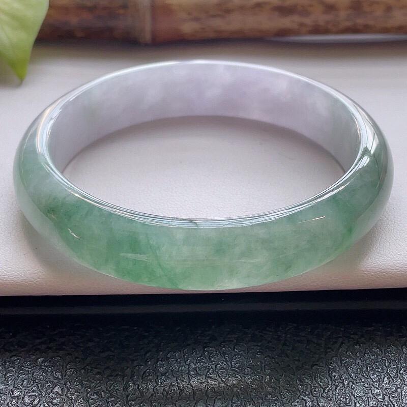【正圈57.7圈口】自然光实拍,天然翡翠A货水润飘绿平安镯,尺寸:57.7-13-7.5mm,重