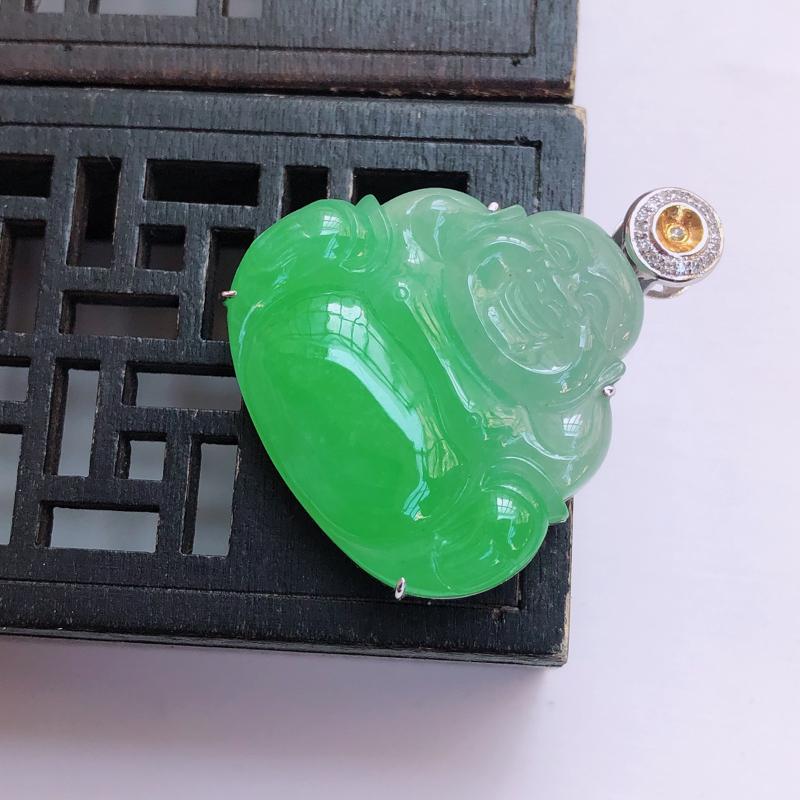 【01/19  18k金伴钻镶嵌飘绿弥勒佛吊坠,裸石30.1*31.7*4.4mm 雕工精细,玉质细腻水润,底色漂亮,种水好】图3