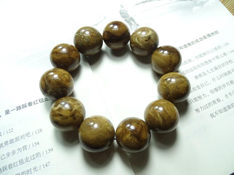 天然缅甸琥珀根珀手串,规格22mm+,66.5克