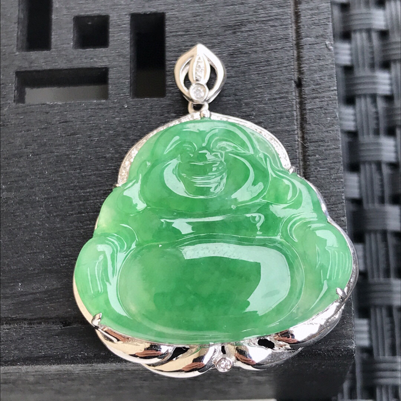 天然翡翠A货18K镶金伴钻糯化种水润飘绿玉佛吊坠 含金 29.8-24.7-6.7mm,裸石20.1