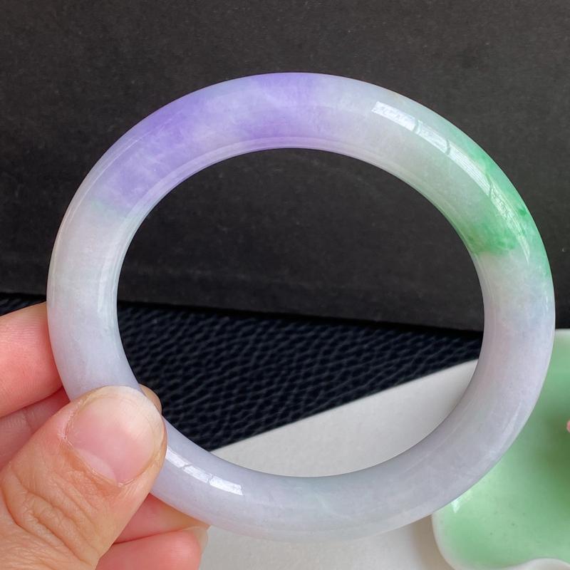 圈口:60mm 天然翡翠A货细腻春带彩圆条大圈口手镯、编号1.20-lj