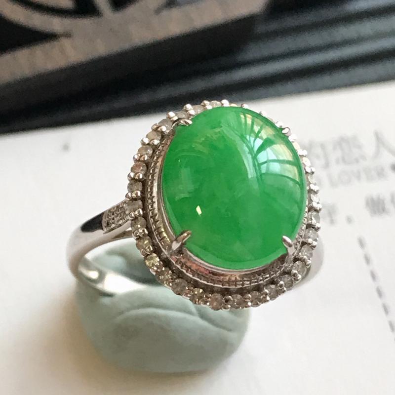 编号:F912,翡翠A货,18k金伴钻满绿福气戒指,裸石尺寸:10.9*9.2*3.0mm,包金尺寸:14.7*13.2*8.7mm,内径:17.4mm