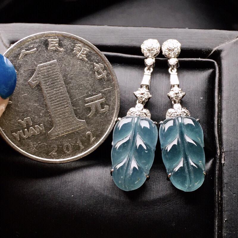 18K金钻镶嵌冰淡蓝树叶耳坠 质地细腻 色泽艳丽 款式新颖时尚唯美整体尺寸31.1*8.1*4裸石14.3*8.1*2.5