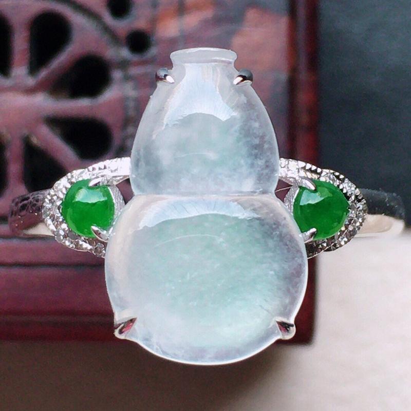 翡翠17圈18k金伴钻镶嵌葫芦戒指,玉质莹润,佩戴佳品,内径:17mm(可免费改圈口大小),整体尺寸