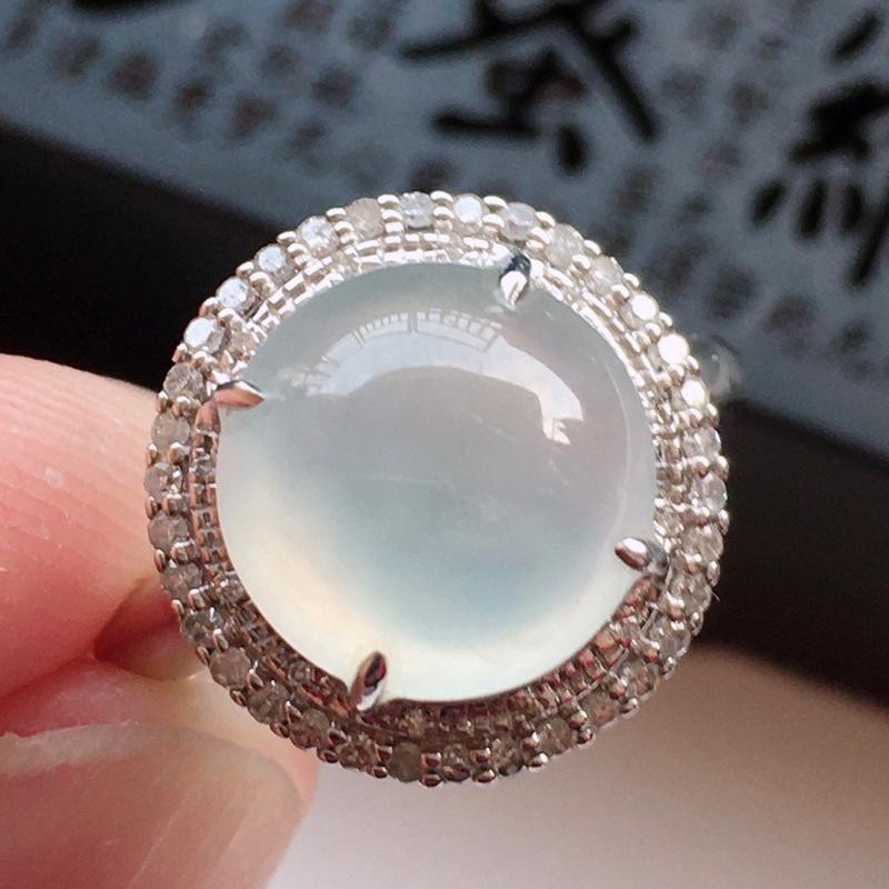 精品翡翠18k镶嵌伴钻戒指,玉质莹润,佩戴效果更美,尺寸:内径:17.1MM,整体尺寸:14.2*1