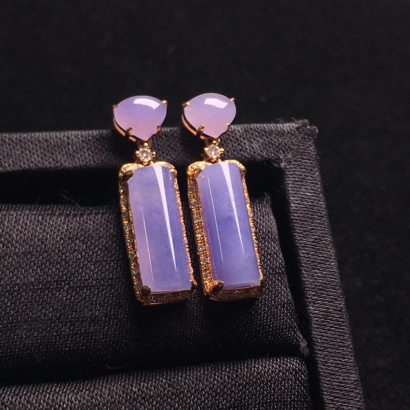 粉紫无事牌耳坠,简单大方,优雅精致,色泽甜美浓郁,细腻饱满,裸石:13*5*3,整体:24*6*5
