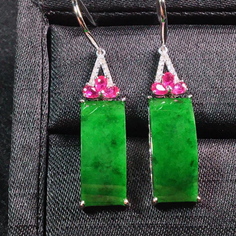 【值得推荐】好漂亮的绿平安耳坠,平安吉祥,18K金伴钻镶嵌,尺寸 40.0*7.7*5.5mm,低