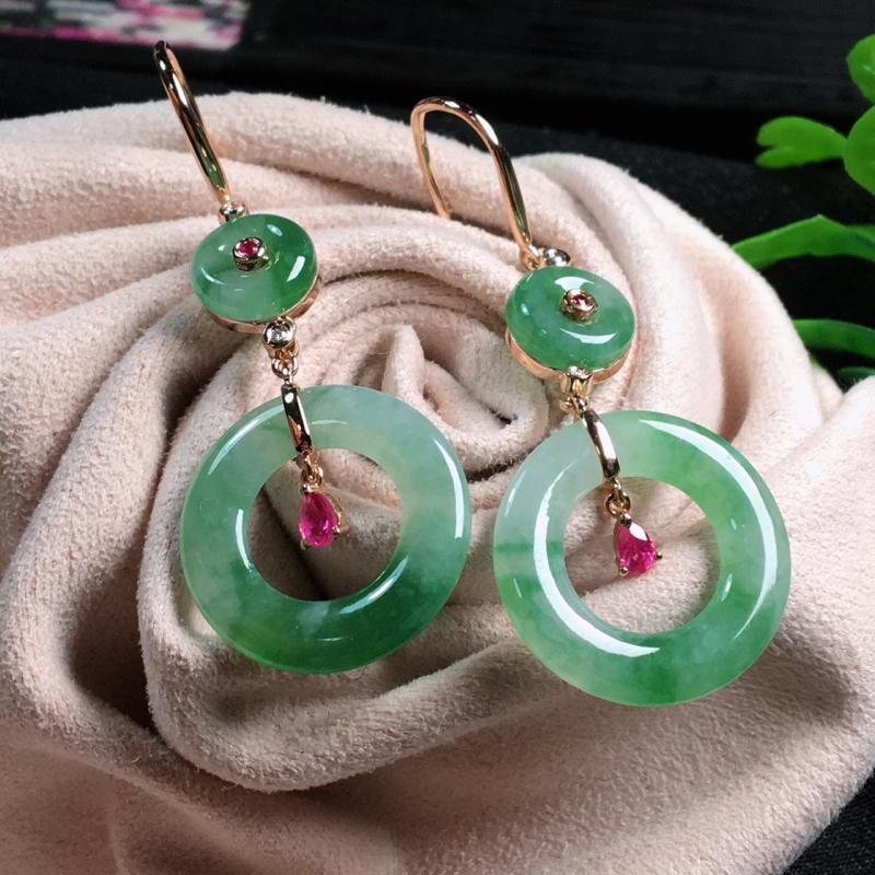 好漂亮的飘绿玉环平安耳坠,平安吉祥,18k金伴钻镶嵌,精美大方,低调奢华,尺寸39.5*17.0*2