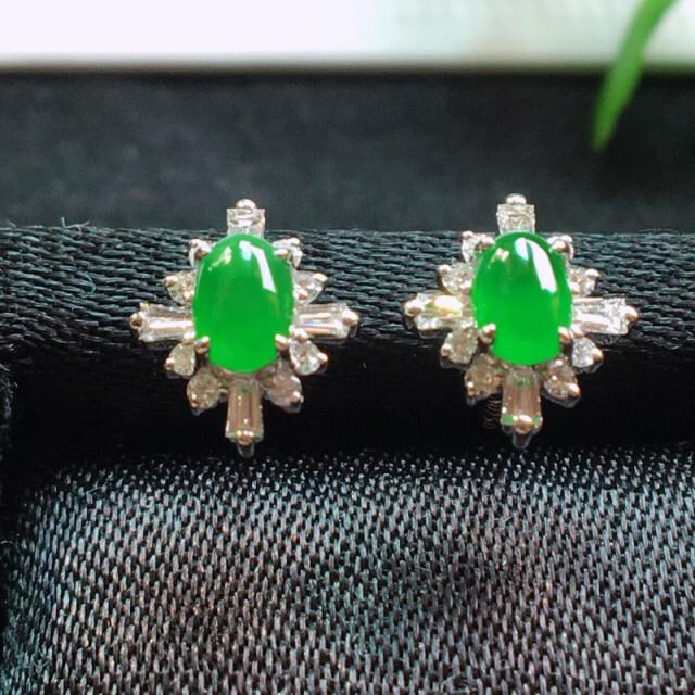 【值得推荐】好漂亮的绿旦耳钉,18k金伴钻镶嵌,尺寸8.8*7.5*3.6mm,非常大气,简约美
