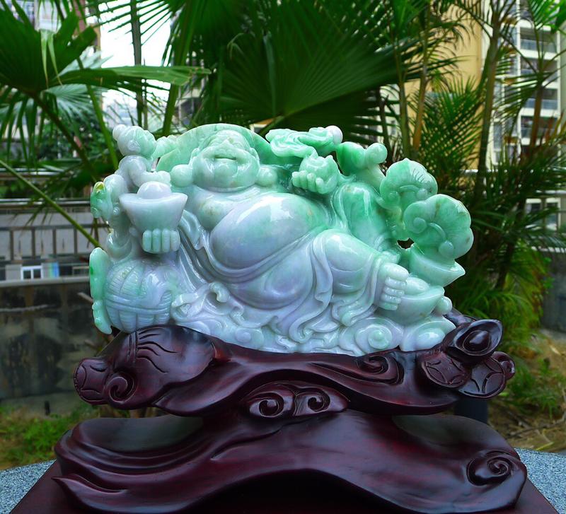 缅甸天然翡翠A货 精美 春带彩 笑口常开 财源广进 多子多福 笑佛摆件 雕刻精美线条流畅 种水好 搭