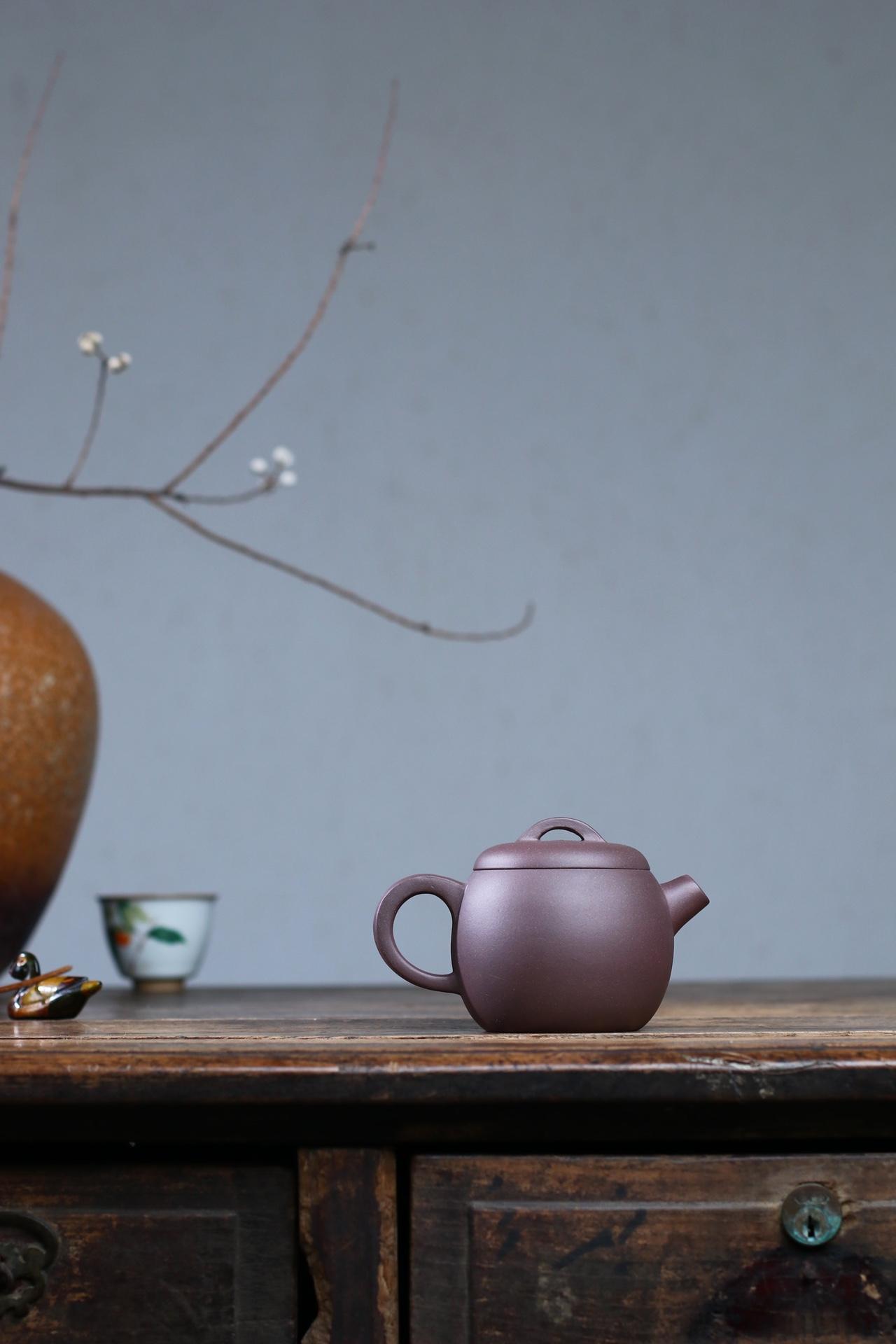 紫罗兰泥料-巨轮 吕介平 国工美术师 250cc(9孔出水) 选用上好紫罗兰,段泥中的佳品,14目,