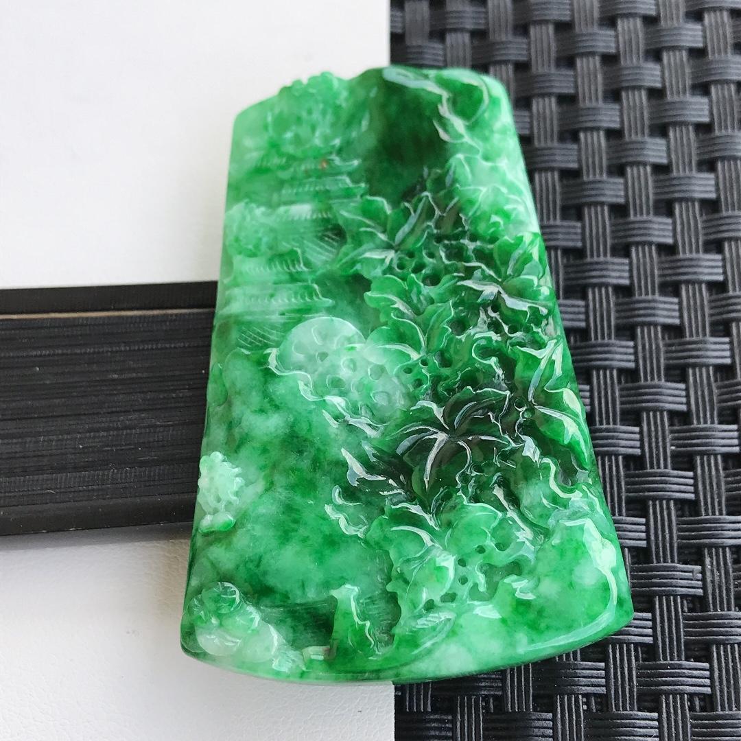 天然翡翠A货糯化种精雕飘绿山水牌吊坠,裸石60-38.5-4.7mm