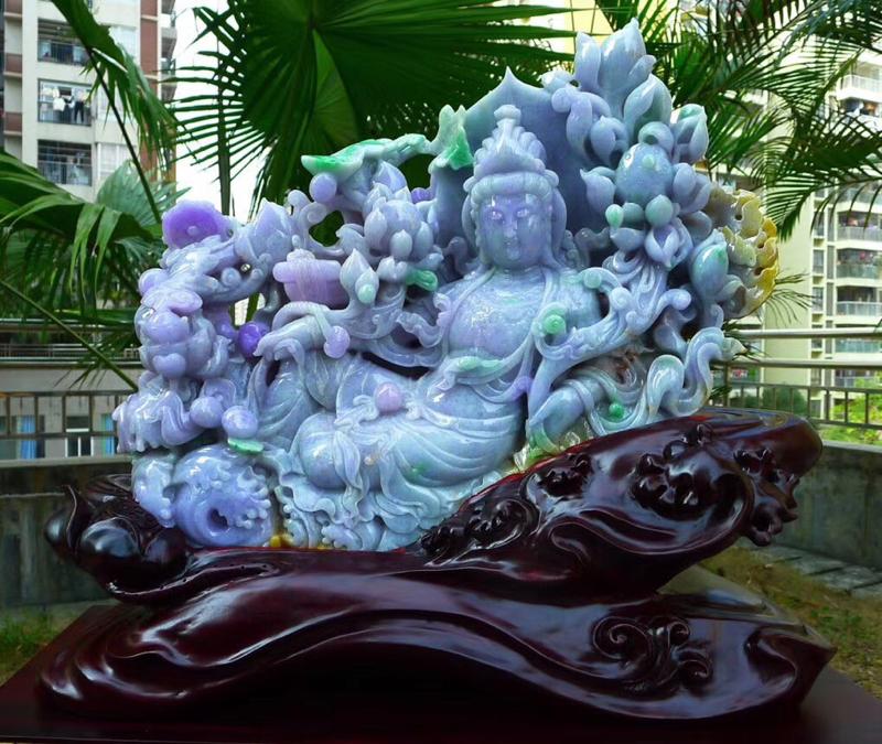 缅甸天然翡翠A货 莲花观音摆件 春带彩超大件观音摆件雕刻精美线条流畅种水好 雕工精细 栩栩如生 大件