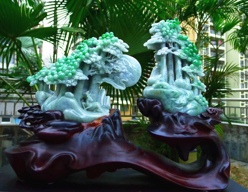 山水摆件 一对 缅甸天然翡翠A货 精美 飘花阳绿高山流水 山水摆件 雕刻精美线条流畅种水好 层次分明