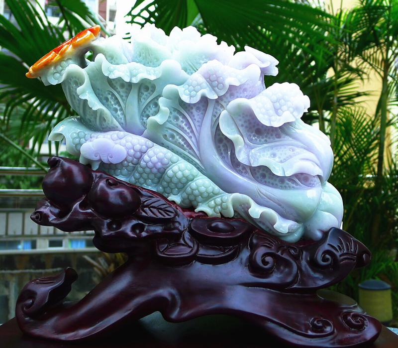 超大件白菜摆件,缅甸天然翡翠A货 精美春带彩 八方来财 财源广进 升官发财 白菜摆件 雕刻精美线条流