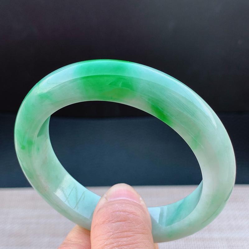 冰透带绿宽边手镯,圈口57.8mm,A货翡翠手镯,编号0205zs