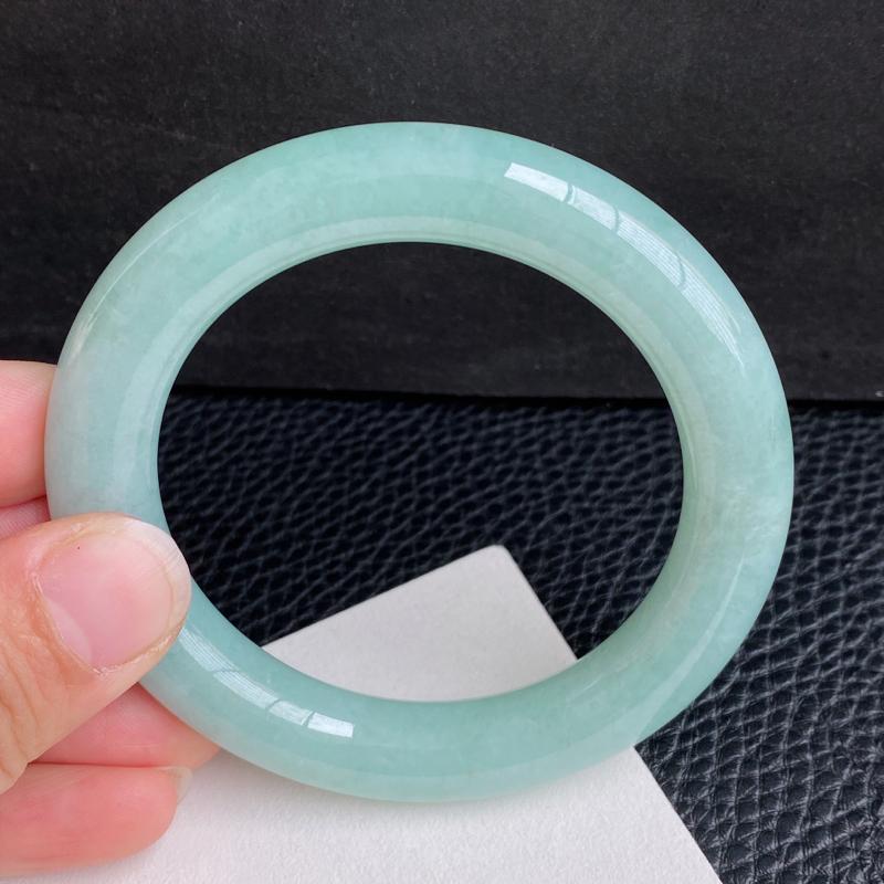 浅绿圆条手镯、圈口:55.8mm 天然翡翠A货细腻浅绿圆条手镯、编号2.8-1.21huang