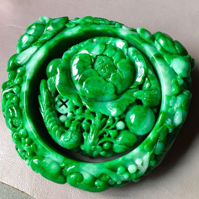 一套满绿套装,花开富贵手镯➕手镯心套装,无裂,水头足,种色兼备,裸石20/9.5、内径55、52/1