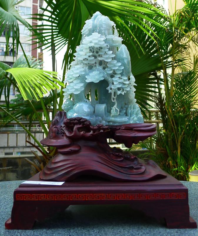 缅甸天然翡翠A货 精美 飘花 高山流水 山水摆件 雕刻精美线条流畅 种水好 层次分明 丰富多彩 搭配