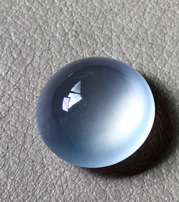 高冰种蛋面,无纹裂,冰透起荧光,饱满,裸石尺寸12.5/7.3#*