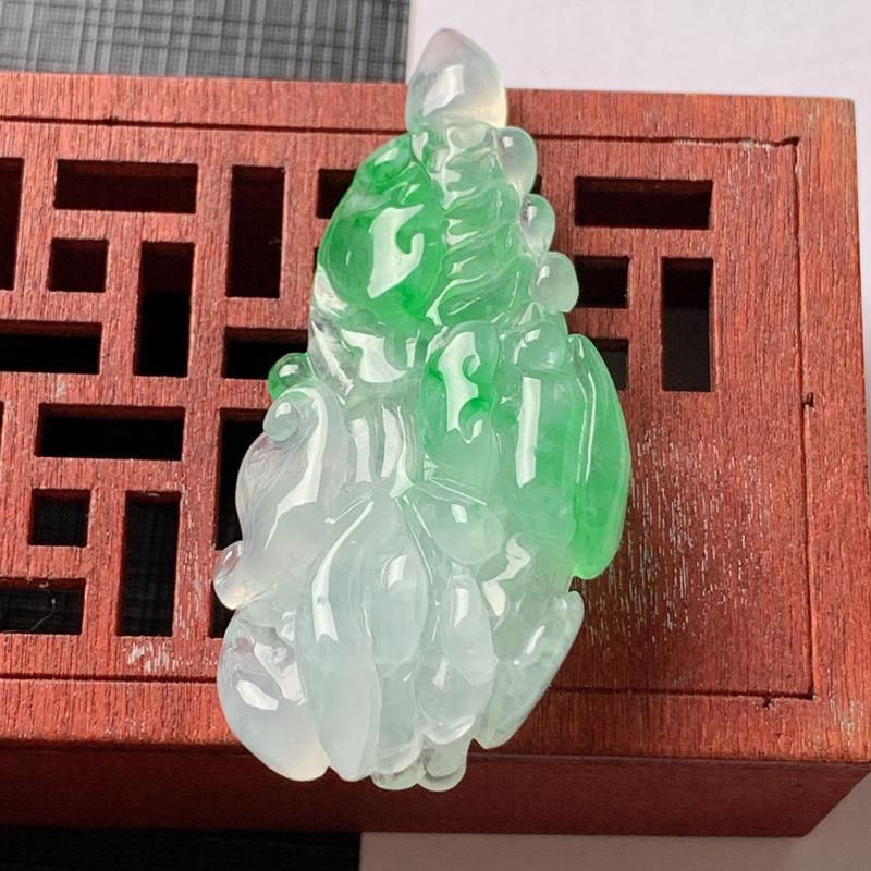 缅甸a货翡翠,冰润飘绿招财白菜吊坠,尺寸-50.7*24.7*10.8mm