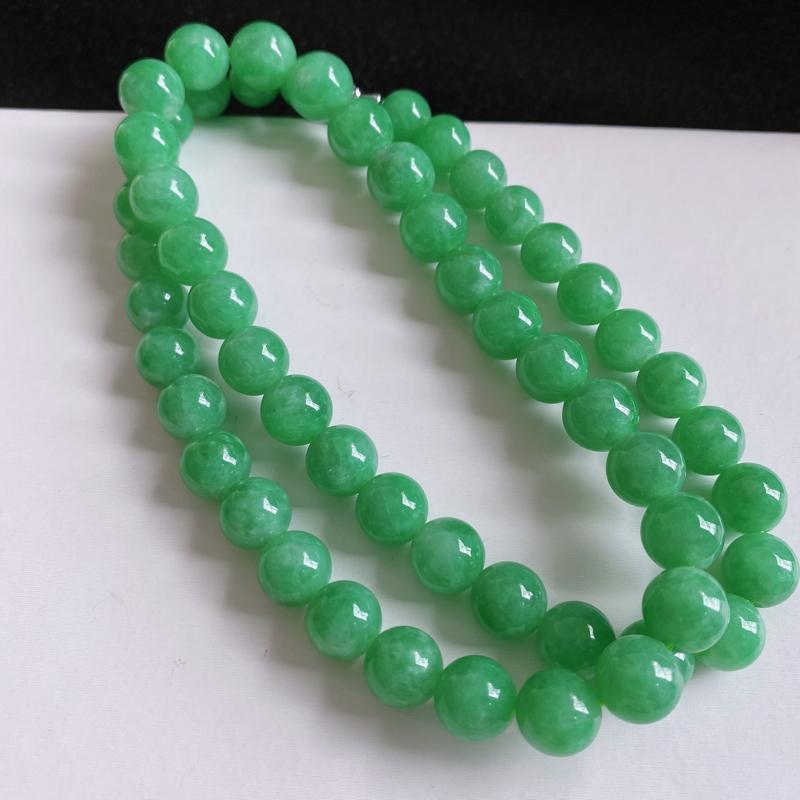缅甸天然翡翠A货   水润满绿圆珠项链,克重:97.10,尺寸:9.2*11,寓意峰回路转,圆圆满