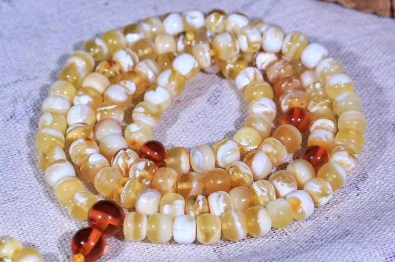 收藏级6mm➕俄料俄瓷金白蜡妖花老型108佛珠,手链项链两用,够白够花,颗颗精选,溶洞拉丝,花纹漂亮