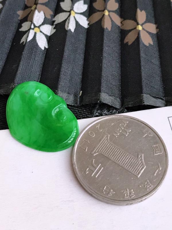 编号682天然翡翠a货阳绿如意戒面可以镶嵌,尺寸23-15-3