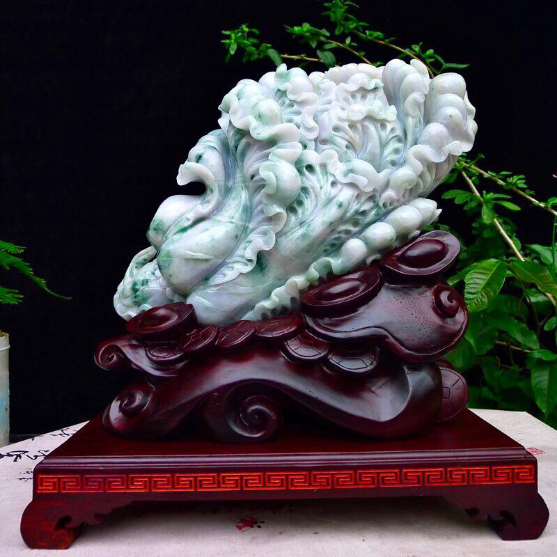 大摆财 翡翠老坑水润飘花大白菜,雕工精美,层次分明,立体感犟,裸石尺寸180*330*96mm 连底